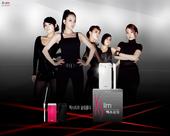 Wonder Girls为某品牌手机拍摄广告。成员们表演了非常华丽的舞蹈,瑜斌还进行了非常强有力的R...
