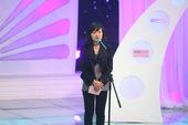 """图为《综艺》2009年度搜狐网票选""""网友最喜爱电视节目奖""""颁出,被《天天向上》囊括入怀。搜狐公司副总..."""