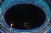"""8月24日,第29届夏季奥运会闭幕式在国家体育场――""""鸟巢""""举行。新华社/摄"""