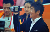 北京时间11月12日,2010年亚运会开幕式在广州盛大举行。很多明星都在开幕式中参与演出,能够参与到...