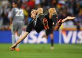 4年之前,克洛泽的头球让阿根廷获胜的美梦破灭,最终在点球大战中不敌德国队,饮恨回家。4年之后,克洛泽...