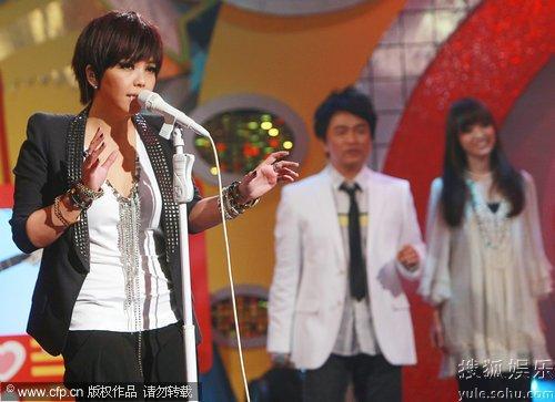 张惠妹 王牌大明星 变伴唱吴宗宪秀搞笑舞