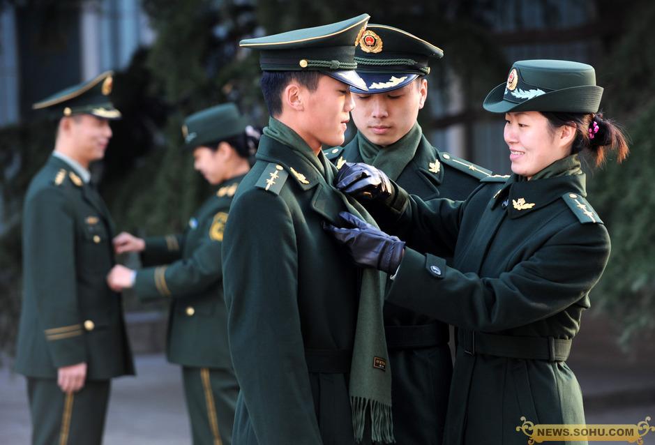 山东武警部队换穿07式冬装图片